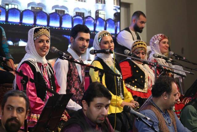 گزارش تصویری کنسرت بزرگ روز رشت در چله انقلاب اسلامی