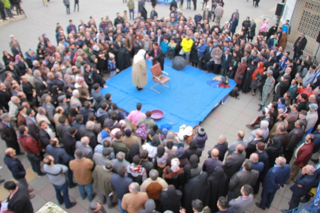 گزارش تصویری اولین روز برگزاری جشنواره ی تئاتر خیابانی دائم به مناسبت روز رشت