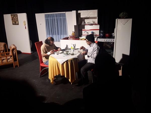 نمایش تئاتربینایی در خانه نمایش فرهنگ و هنرسازمان فرهنگی،اجتماعی و ورزشی شهرداری رشت به روایت تصویر