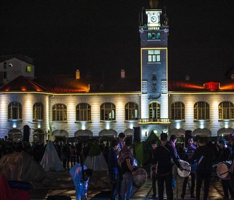 اجرای نمایش بزرگ « کربلا زیباست » در پیاده راه فرهنگی رشت به روایت تصویر